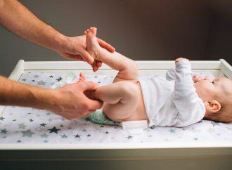 Kiedy wykonuje się badanie USG bioderek u niemowląt?