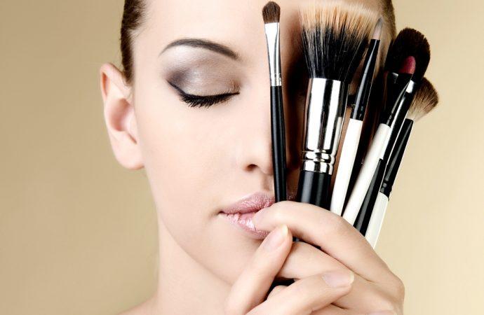 Makijaż permanentny – wygoda dla zabieganych