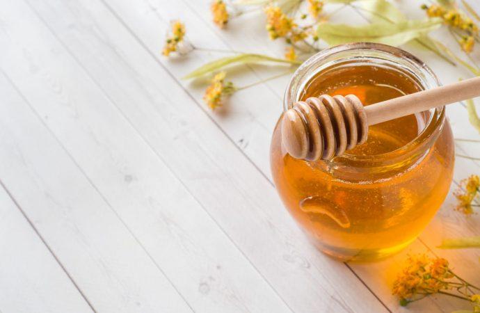 Miód – jak stosować go w leczeniu przeziębienia i bólu gardła?