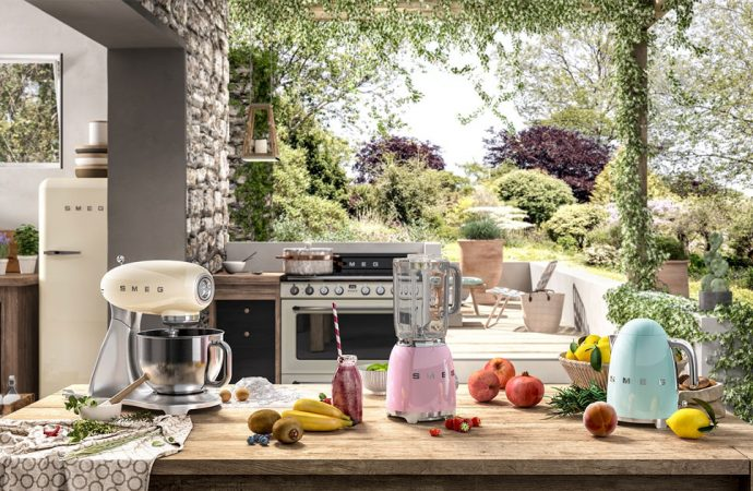 Pudrowy róż w kuchni – z czym go połączyć?