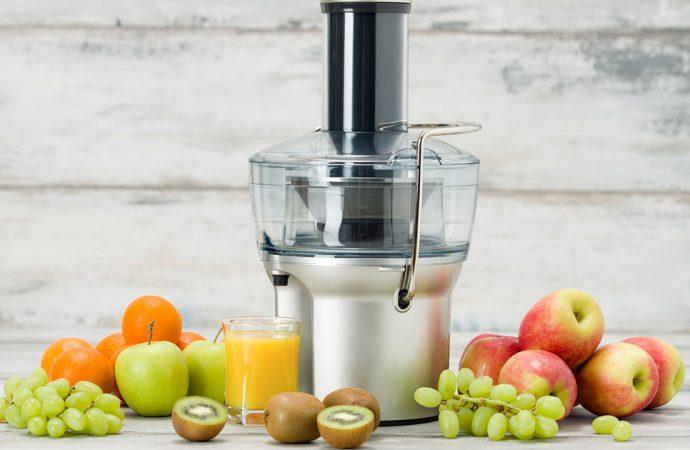 Wyciskarka do owoców czy sokowirówka – co wybrać?