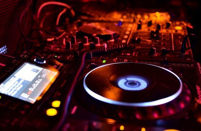 PIONEER PLX-1000 – dobry wybór dla każdego DJ-a