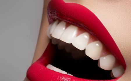Jak wybielić zęby w domu?