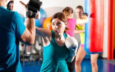 Samoobrona kobiet – jak uchronić się przed atakiem napastnika?