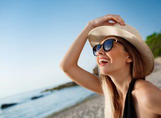 Modne czapki damskie na lato