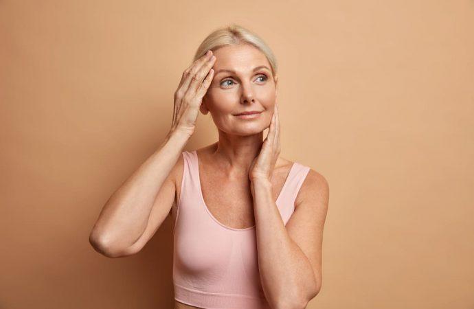 Dieta kobiety w okresie menopauzy – co jeść, by czuć się i wyglądać dobrze?