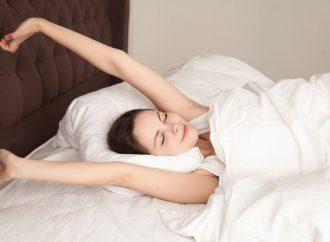 Jak zacząć wstawać wcześniej? Praktyczne wskazówki
